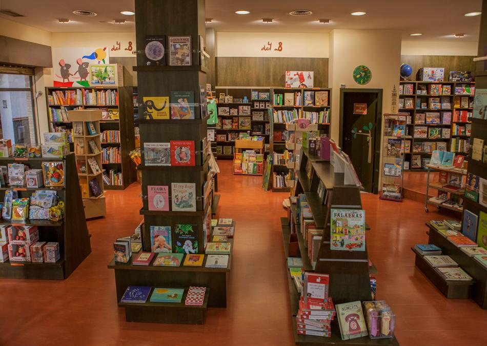 Interior Librería Rayuela Infancia
